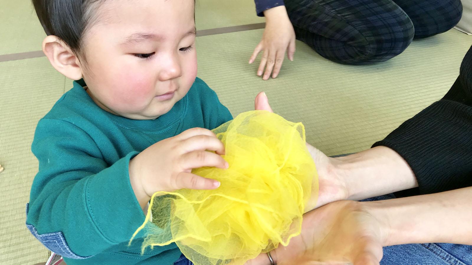 子どもの気持ちをふんわり包む魔法の布「シフォンスカーフ」