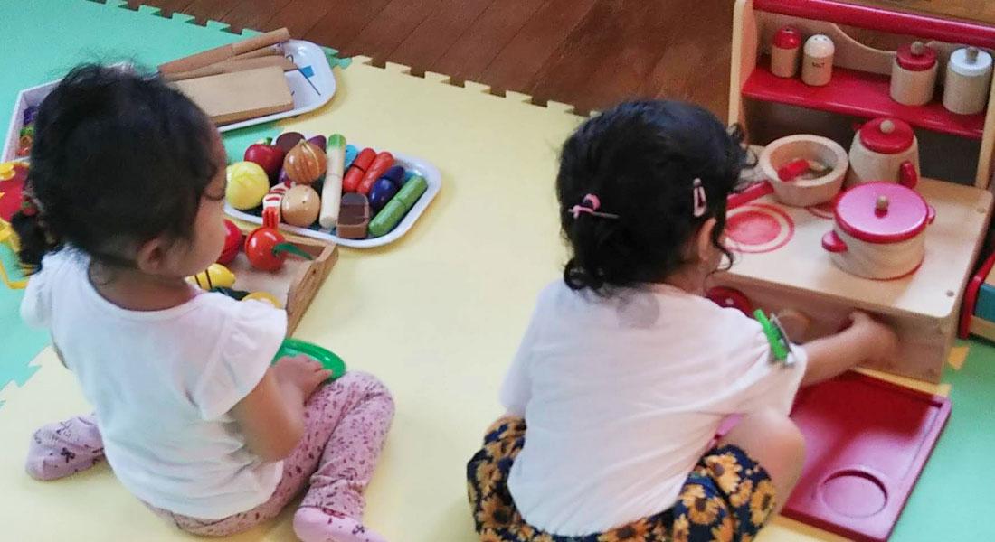 子育てママ応援!赤ちゃん遊びのヒント#6 男の子も女の子も大好き!ままごと遊び